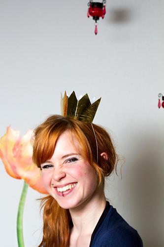 Happy Go Lucky Mensch feminin Junge Frau Jugendliche 1 18-30 Jahre Erwachsene rothaarig Krone lachen authentisch Fröhlichkeit Glück schön einzigartig natürlich