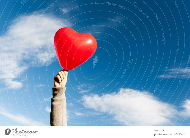 Wolke 7 Lifestyle Valentinstag Muttertag Hochzeit Hand Himmel Wolken Schönes Wetter Zeichen Herz Unendlichkeit schön blau rot Gefühle Sympathie Zusammensein