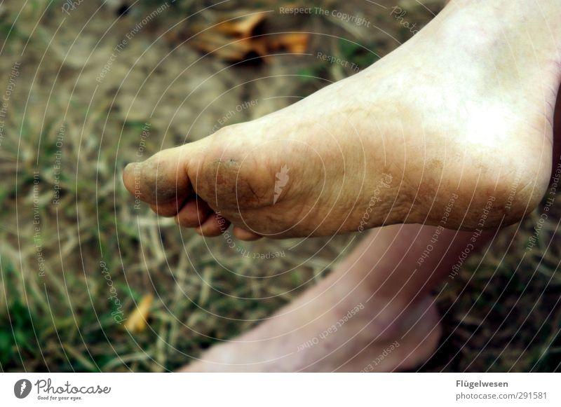Eiskalte Füße schön nackt Beine Fuß Körper dreckig nass Lifestyle Krankheit Körperpflege frieren Dreckspatz