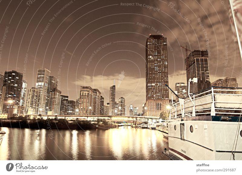 Nachti.gall Stadt Hochhaus USA Hafen Skyline Stadtzentrum Stars and Stripes Nachthimmel Nachtaufnahme Chicago Chicago Fluß