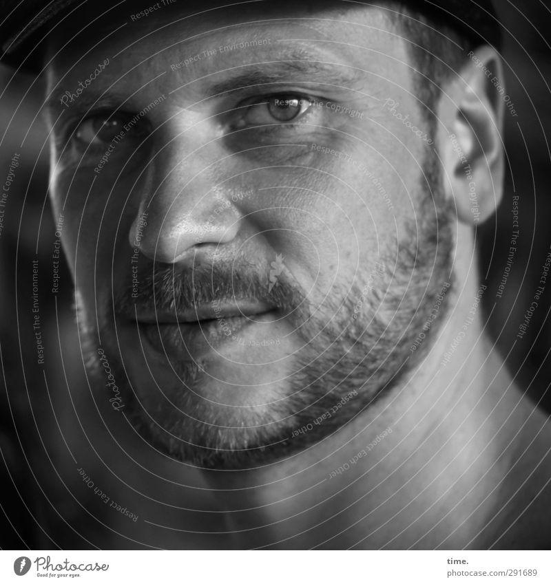 . maskulin Mann Erwachsene Kopf Auge Nase 1 Mensch 30-45 Jahre Mütze Bart beobachten Blick authentisch Freundlichkeit einzigartig seriös achtsam Wachsamkeit