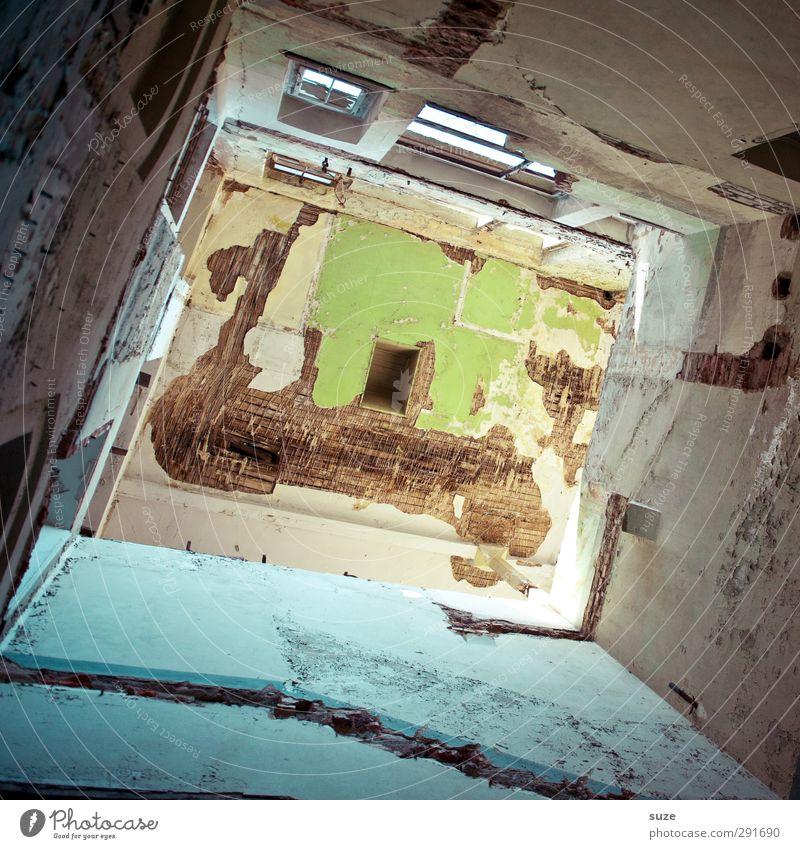 Wikinger auf Entdeckungstour Haus Innenarchitektur Raum Gebäude Architektur Mauer Wand Fenster alt authentisch dreckig einfach kaputt blau grün Verfall