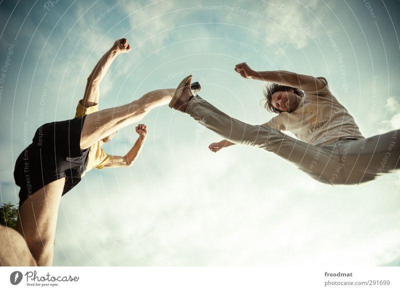 kickstarter Mensch Himmel Mann Jugendliche Freude Erwachsene Junger Mann Sport Bewegung springen maskulin Kraft Freizeit & Hobby bedrohlich Fitness sportlich