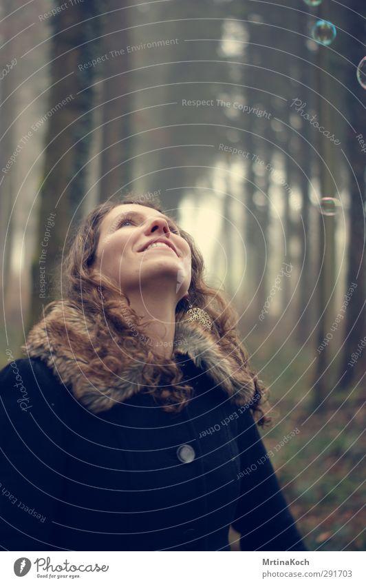 mmh.. let's tessellate! Mensch Kind Frau Natur Jugendliche Freude Winter Wald Erwachsene Umwelt feminin Herbst lachen Glück 18-30 Jahre Zufriedenheit