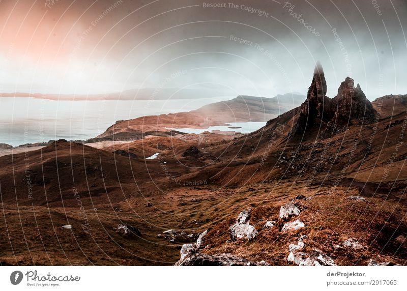 Old Man of Storr im Nebel auf Isle of Skye XII Ausflug Tourismus Abenteuer Ferien & Urlaub & Reisen Berge u. Gebirge wandern Umwelt Ferne Natur Freiheit Nordsee