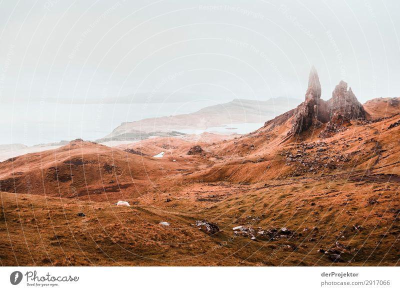 Old Man of Storr im Nebel auf Isle of Skye XI Ausflug Tourismus Abenteuer Ferien & Urlaub & Reisen Berge u. Gebirge wandern Umwelt Ferne Natur Freiheit Nordsee