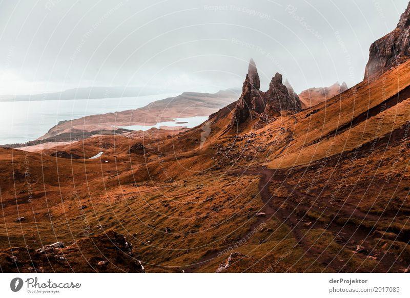 Old Man of Storr im Nebel auf Isle of Skye VIII Ausflug Tourismus Abenteuer Ferien & Urlaub & Reisen Berge u. Gebirge wandern Umwelt Ferne Natur Freiheit