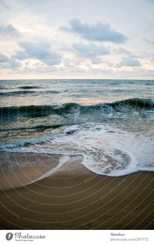 ~~~~~~~~~~~~~ Umwelt Natur Landschaft Urelemente Wasser Schönes Wetter Küste ästhetisch Unendlichkeit Meer Strand ruhig Wolken Pastellton Farbfoto