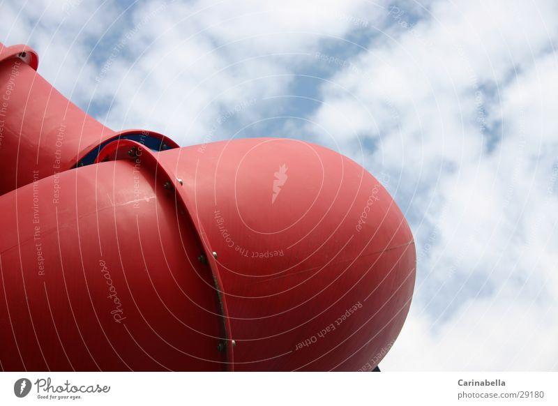 Rutschrohr Spielplatz Rutsche rot Wolken Freizeit & Hobby Rutschbanhn Plastikrohr Himmel Rohrverbindung Rohrbiegung