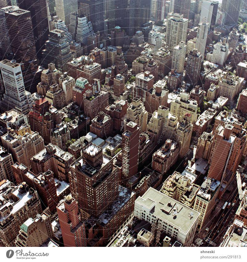 NYC New York City USA Stadt Stadtzentrum Haus Hochhaus Architektur Häusliches Leben Stress Farbfoto Außenaufnahme Licht Schatten Vogelperspektive
