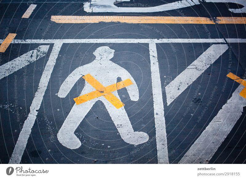m/w/d Asphalt Fahrbahnmarkierung gender gap Genitalsystem Geschlecht Linie Mann Schilder & Markierungen Mensch maskulin Navigation Orientierung Richtung Straße