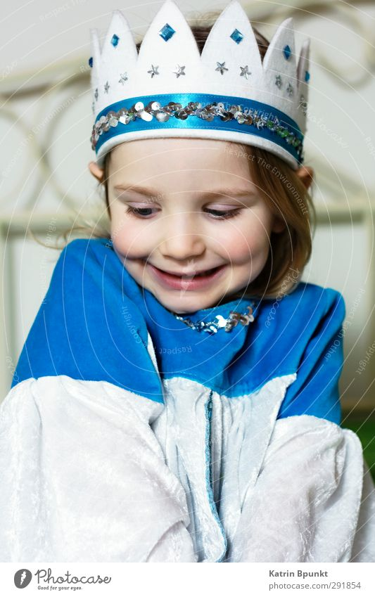 Fineshrine Mensch Kind blau schön weiß Glück hell Kindheit Zufriedenheit leuchten Lächeln Fröhlichkeit niedlich rein positiv Nostalgie