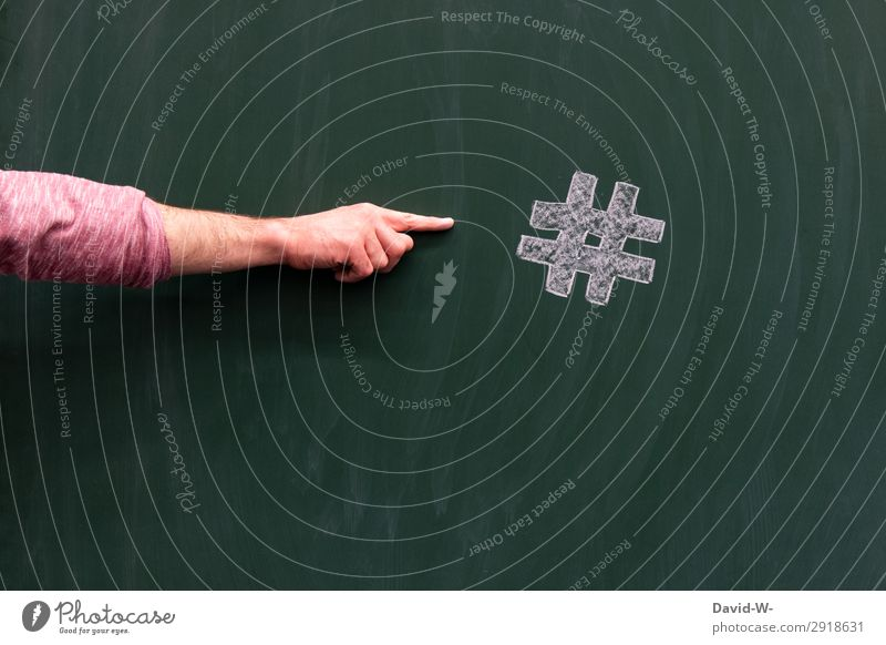 Hashtag - Schlagwort / Zuweisung Schriftzeichen hashtag Wort Kommunizieren Studioaufnahme Telekommunikation Information Internet Innenaufnahme Farbfoto
