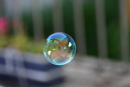 Seifenblase Reflexion & Spiegelung mehrfarbig rund Schwache Tiefenschärfe Luft Schweben Freizeit & Hobby Kugel fliegen