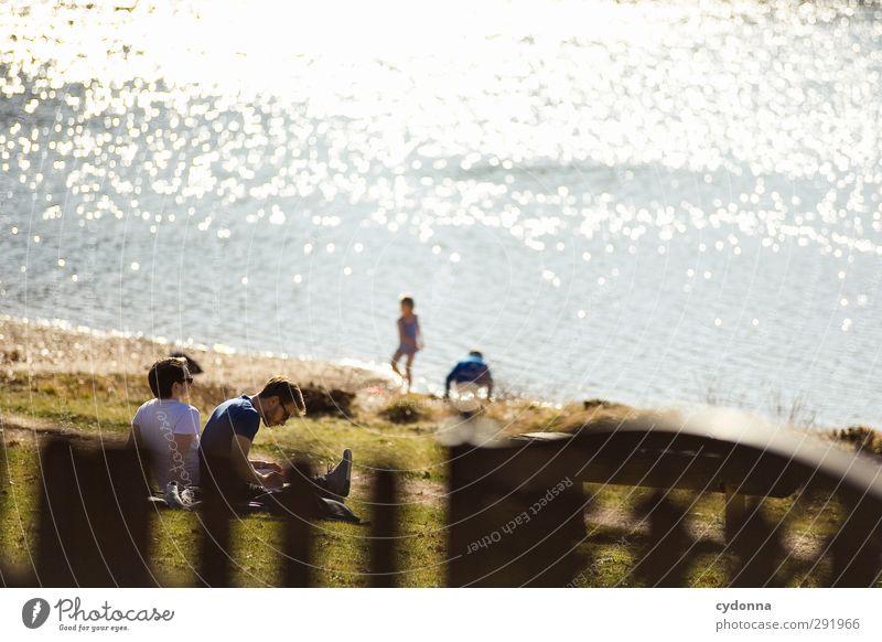 Anwärmen Mensch Kind Natur Jugendliche Landschaft Erholung Erwachsene Umwelt Wiese Junger Mann Leben Frühling Glück Freiheit See 18-30 Jahre