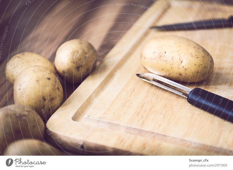 Kartoffeln schnibbeln Leben Essen Gesunde Ernährung Gesundheit Lebensmittel einfach genießen gut Küche Gastronomie Appetit & Hunger Gemüse lecker Bioprodukte