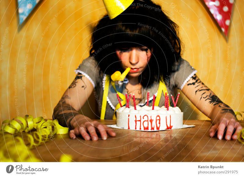 i Hate u Kuchen Geburtstag Kerze Partyhut Tröte Mensch feminin Junge Frau Jugendliche 1 18-30 Jahre Erwachsene Tattoo Feste & Feiern Traurigkeit außergewöhnlich