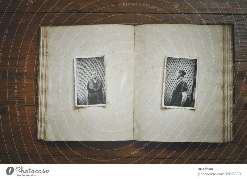 2 alte analoge fotografien einer älteren dame (von vorne und von der seite) Fotografie Fotografieren Erinnerung Nostalgie Trauer Familienalbum Vergangenheit