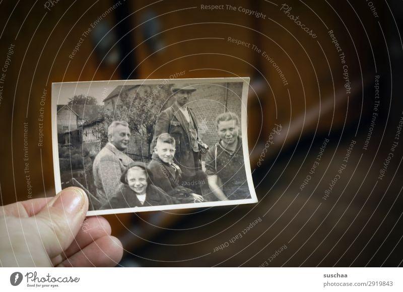 es war einmal in hessen .. Fotografie Fotografieren alt analog Erinnerung Nostalgie Trauer Familienalbum Vergangenheit Vergänglichkeit Kindheit Erbe bewahren