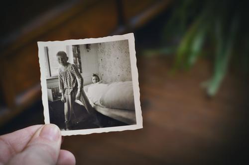 brüderlein und schwesterlein Fotografie Fotografieren alt analog Erinnerung Nostalgie Trauer Familienalbum Familientreffen Vergangenheit Vergänglichkeit