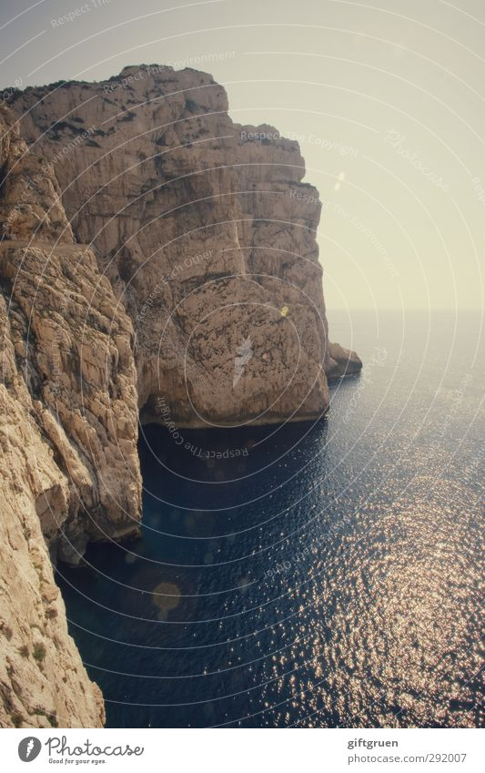 great wide open Umwelt Natur Landschaft Urelemente Erde Wasser Himmel Wolkenloser Himmel Sonne Felsen Wellen Küste Meer Insel groß Sardinien Italien Felsküste