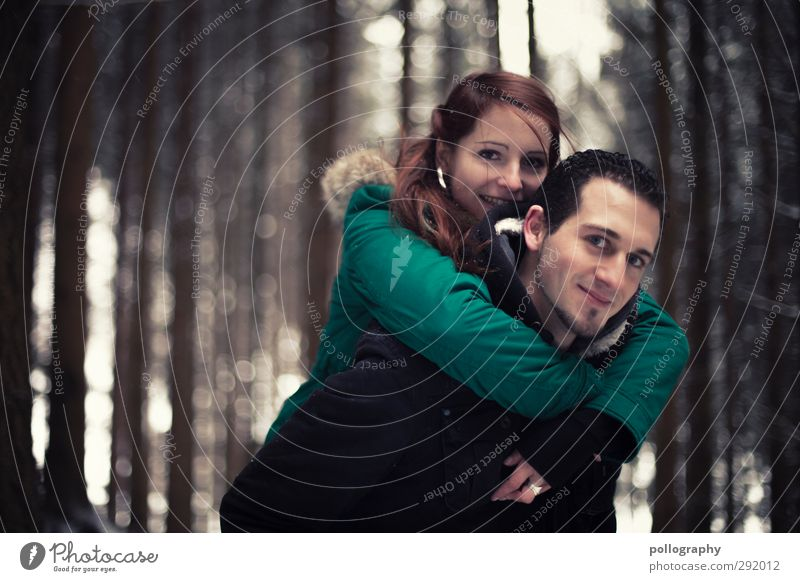 dream together Mensch maskulin feminin Junge Frau Jugendliche Junger Mann Erwachsene Paar Partner Leben 2 18-30 Jahre Natur Winter Baum Wald Jacke Gefühle