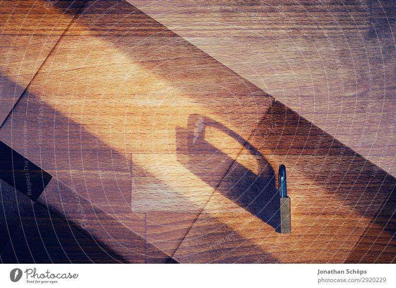 Schloss als Symbol für Datenschutz Doppelbelichtung mit Papier Schatten allgemeine Datenschutzbestimmungen dsgvo verschlüsselt Europa Gesetze und Verordnungen