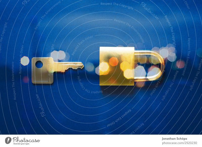 Schloss und Schlüssel als Symbol für Datenschutz Datenträger Datenübertragung dsgvo verschlüsselt Europa Gesetze und Verordnungen Kennwort Privatsphäre