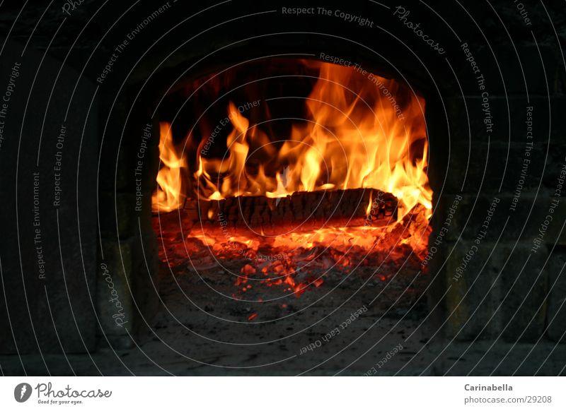 Pizzaofen brennen Holz Glut Küche Brand Steinofen Flamme