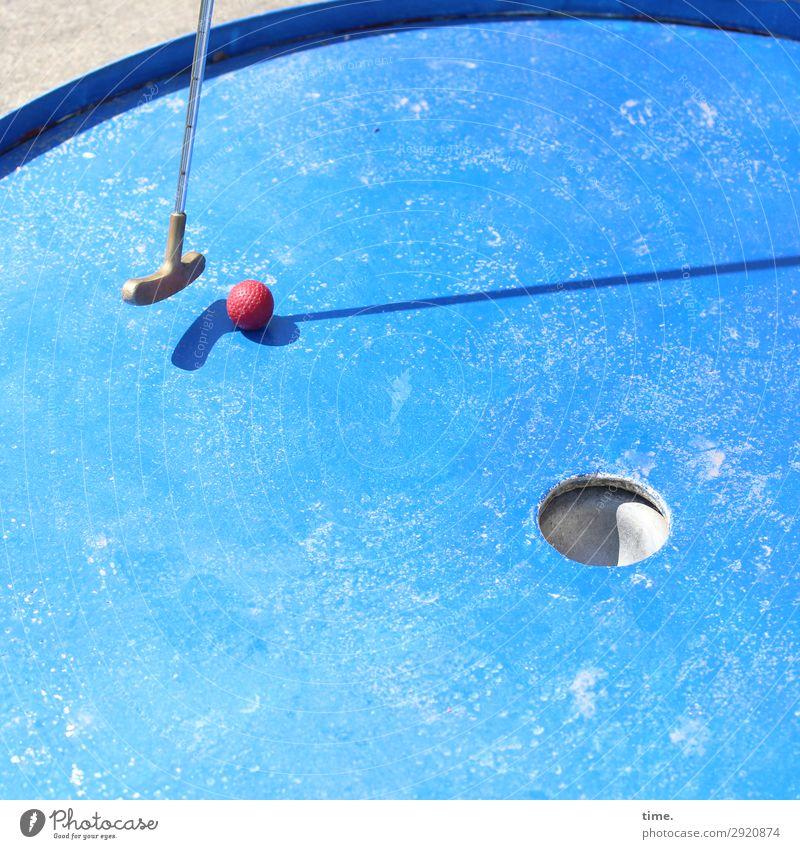 Angewandte Mathematik | Gedankenspiele Sport Ballsport Golf Minigolf Minigolfschläger Rennbahn Golfplatz Linie Kugel festhalten blau rot silber geduldig Leben