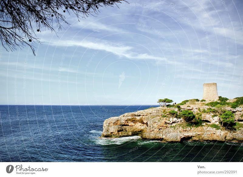 zwischendurch ein bisschen Sommer Natur blau Ferien & Urlaub & Reisen Wasser Baum Meer Wolken Landschaft Wärme Küste Felsen Horizont Wellen Schönes Wetter Turm