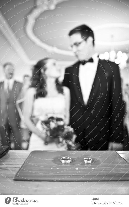 Ja-Sager Feste & Feiern Hochzeit Mensch maskulin feminin Frau Erwachsene Mann Partner Jugendliche 2 18-30 Jahre Anzug Ring Blumenstrauß authentisch Zusammensein