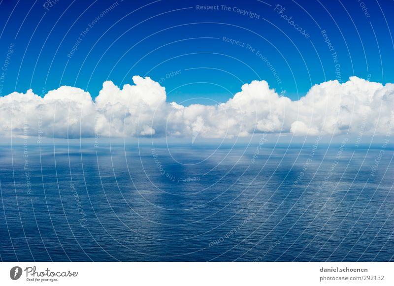 Blau und Weiß satt Ferien & Urlaub & Reisen Tourismus Ferne Freiheit Sommer Meer Umwelt Natur Himmel Wolken Klima Wetter Schönes Wetter blau weiß Horizont