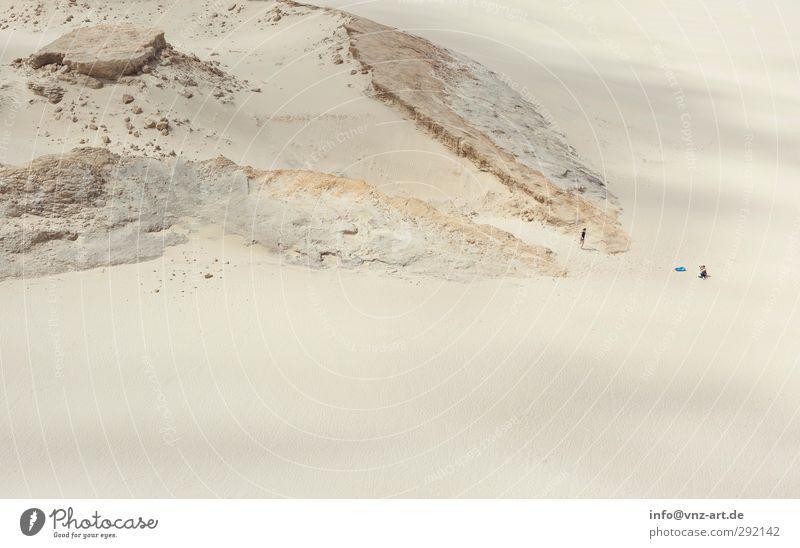 Desert Mensch feminin Junge Frau Jugendliche 2 Umwelt Natur Landschaft Urelemente Erde Sand Hügel Felsen Strand Wüste Klima Neuseeland Photo-Shooting Ferne