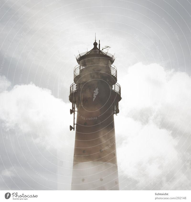 All Along the Watchtower Himmel Wolken Wetter Nebel Küste Nordsee Insel Turm Sehenswürdigkeit Ferne Leuchtturm Amrum Leuchtfeuer Aussichtsturm Spitze hoch