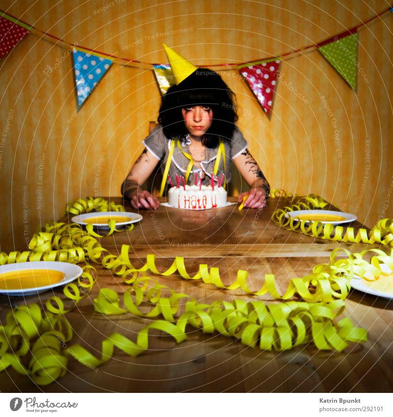 i Hate u #2 Geburtstag Mensch Junge Frau Jugendliche 1 18-30 Jahre Erwachsene Partyhut Papierhut Luftschlangen Feste & Feiern Traurigkeit außergewöhnlich