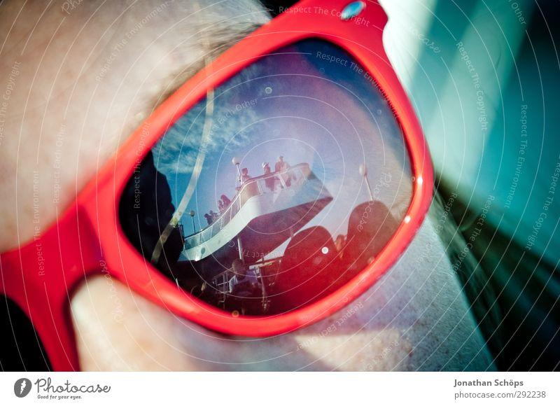 auf der Fähre nach... Mensch Ferien & Urlaub & Reisen Sommer rot Erholung Gesicht Junge Frau Ferne Freiheit Tourismus Lifestyle Ausflug Abenteuer Coolness
