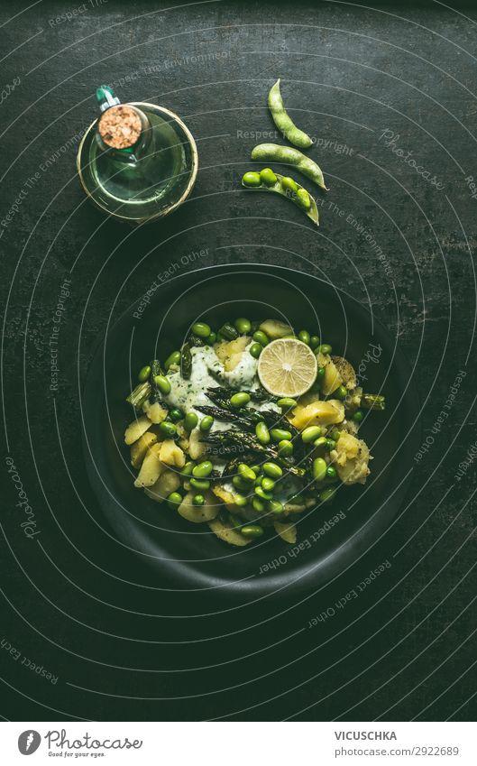 Kartoffelsalat mit grünem Spargel und Edamame Bohnen Lebensmittel Gemüse Salat Salatbeilage Ernährung Mittagessen Bioprodukte Vegetarische Ernährung Diät