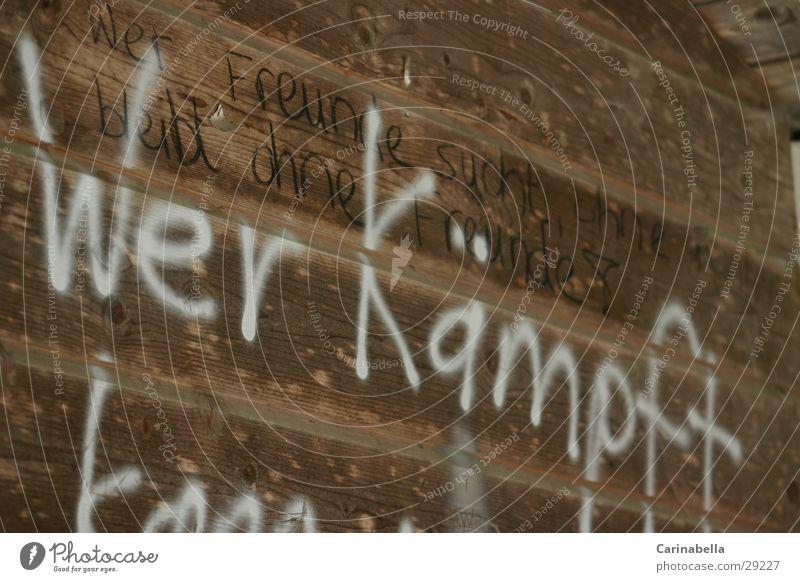 Wer Kämpft Graffiti Toilette obskur Holzbrett Holzwand