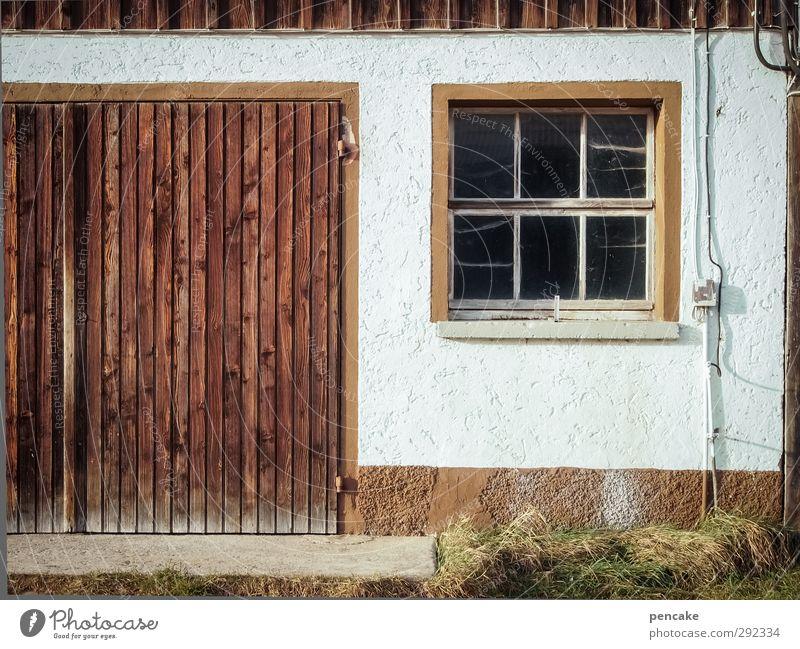 alte häuser | höfisch Dorf Haus Gebäude Bauernhof Stall Scheunentor Mauer Wand Fenster Tür Holz Arbeit & Erwerbstätigkeit atmen anstrengen Duft Einsamkeit Natur