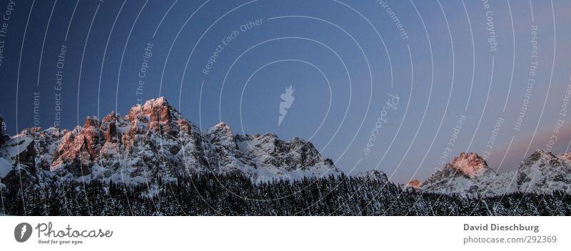 In der Ruhe liegt der Berg Natur blau Ferien & Urlaub & Reisen weiß Pflanze rot Winter Landschaft schwarz gelb Ferne Berge u. Gebirge Schnee Freiheit Felsen Eis