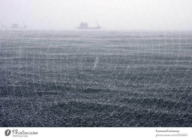 Heavy seas (II). Umwelt Natur Wasser Wassertropfen Klima Wetter schlechtes Wetter Unwetter Wind Regen Wellen Küste Sorge Ferne Meer See Meerwasser