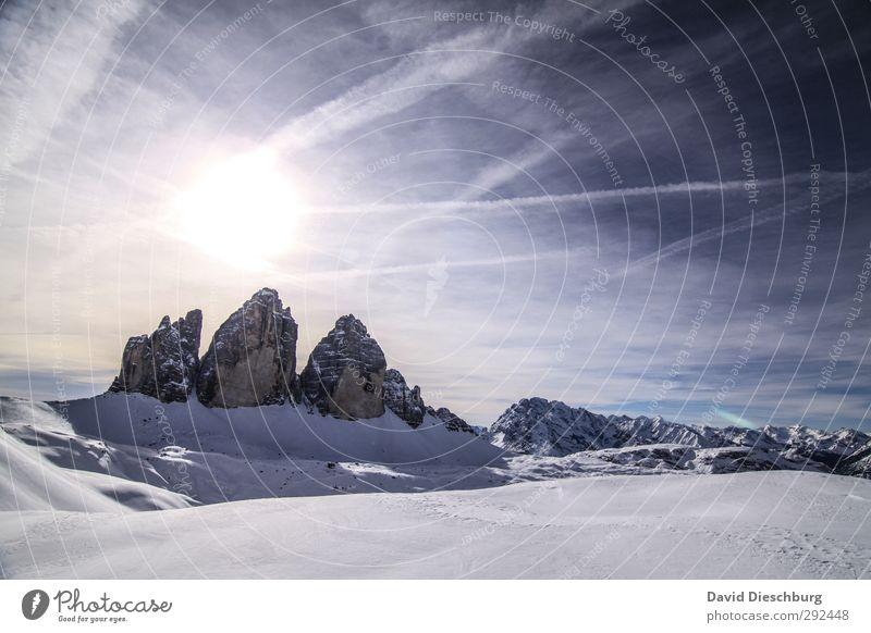 Drei Zinnen Himmel blau Ferien & Urlaub & Reisen weiß Sonne Winter Wolken Landschaft schwarz Ferne Berge u. Gebirge Schnee Freiheit Felsen Horizont Eis