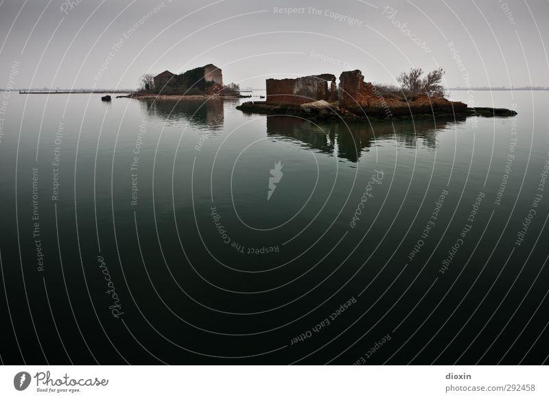 Laguna di Venezia -1- Ferien & Urlaub & Reisen alt Wasser Meer Winter Landschaft Haus Umwelt dunkel Angst Tourismus Insel nass Ausflug Abenteuer Vergänglichkeit