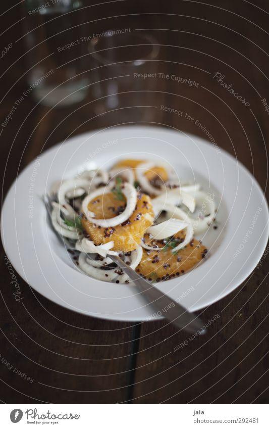 Orangen - Fenchelsalat mit Quinoa Lebensmittel Gemüse Salat Salatbeilage Ernährung Mittagessen Bioprodukte Vegetarische Ernährung Diät Geschirr Teller Glas