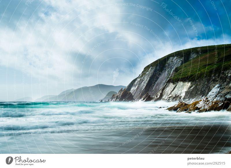 Steilküste Natur blau grün Wasser Meer Wolken Landschaft Strand Ferne Küste Wellen frei Bucht Wellengang Steilwand