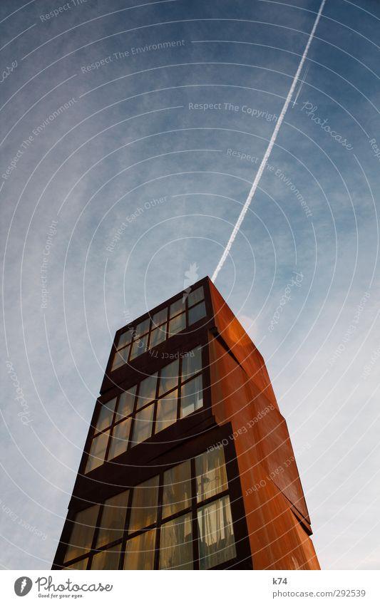 l'estel ferit Himmel Haus Hochhaus Architektur Denkmal Glas Metall alt blau orange Kunst Rost pendeln Farbfoto Außenaufnahme Menschenleer Textfreiraum oben Tag