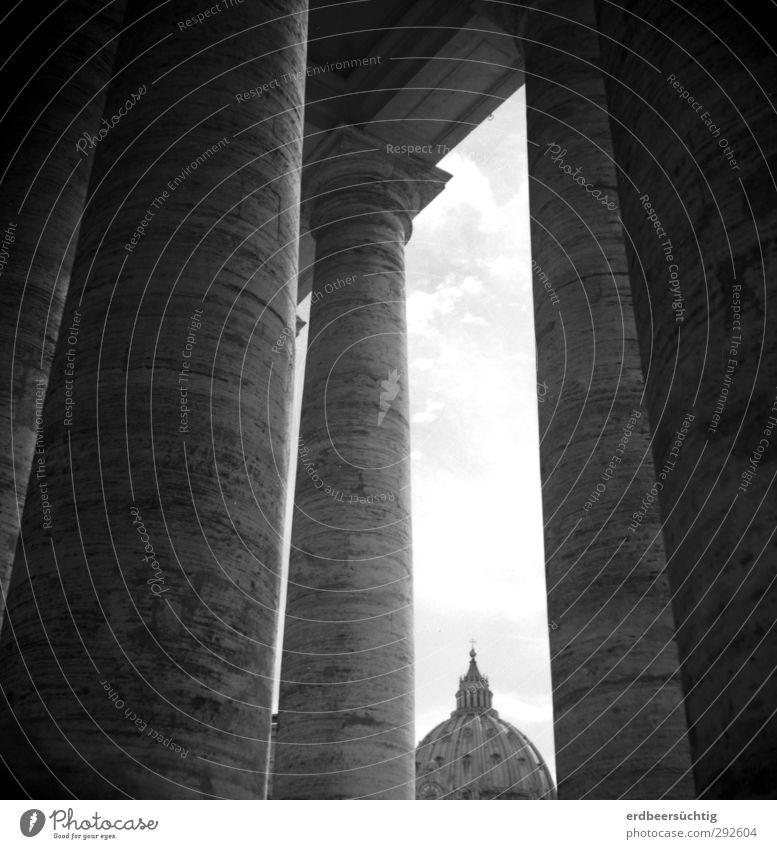 Klein Peter Stadt Architektur Stein Linie Europa Perspektive Kirche ästhetisch Bauwerk Wahrzeichen Stadtzentrum Säule harmonisch Sehenswürdigkeit Dom Hauptstadt