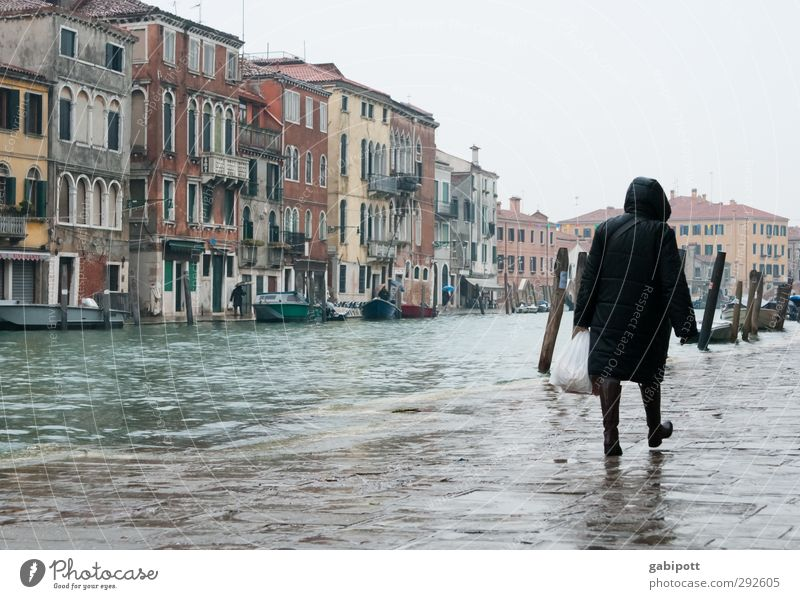Und der Regen Regen Regen fiel... Haus kalt grau Gebäude nass trist Landkreis Regen Altstadt Venedig Hafenstadt Kanal Hochwasser