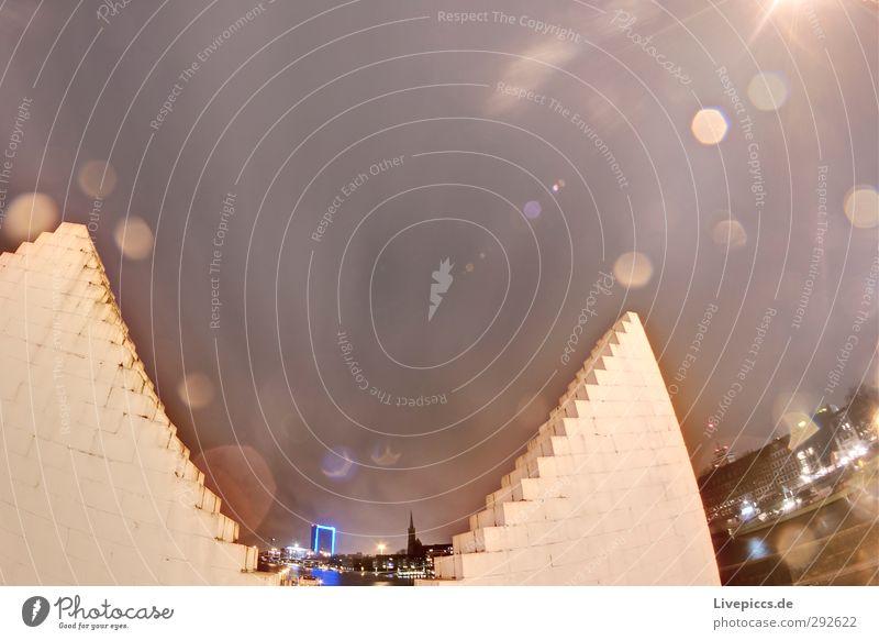 Lichter der Stadt Tourismus Ausflug Städtereise Nachtleben Himmel Wolken Nachthimmel Stern Fluss Hafenstadt Stadtzentrum Altstadt Haus Hochhaus Kirche Dom